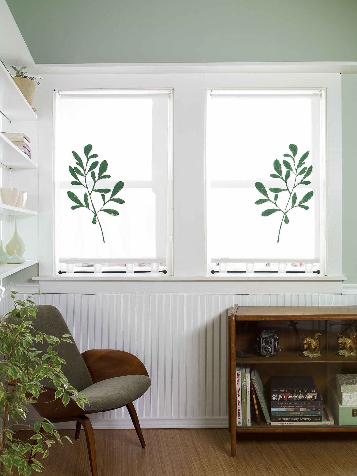Stencil-Art Roller Shade for Your Bathroom Window