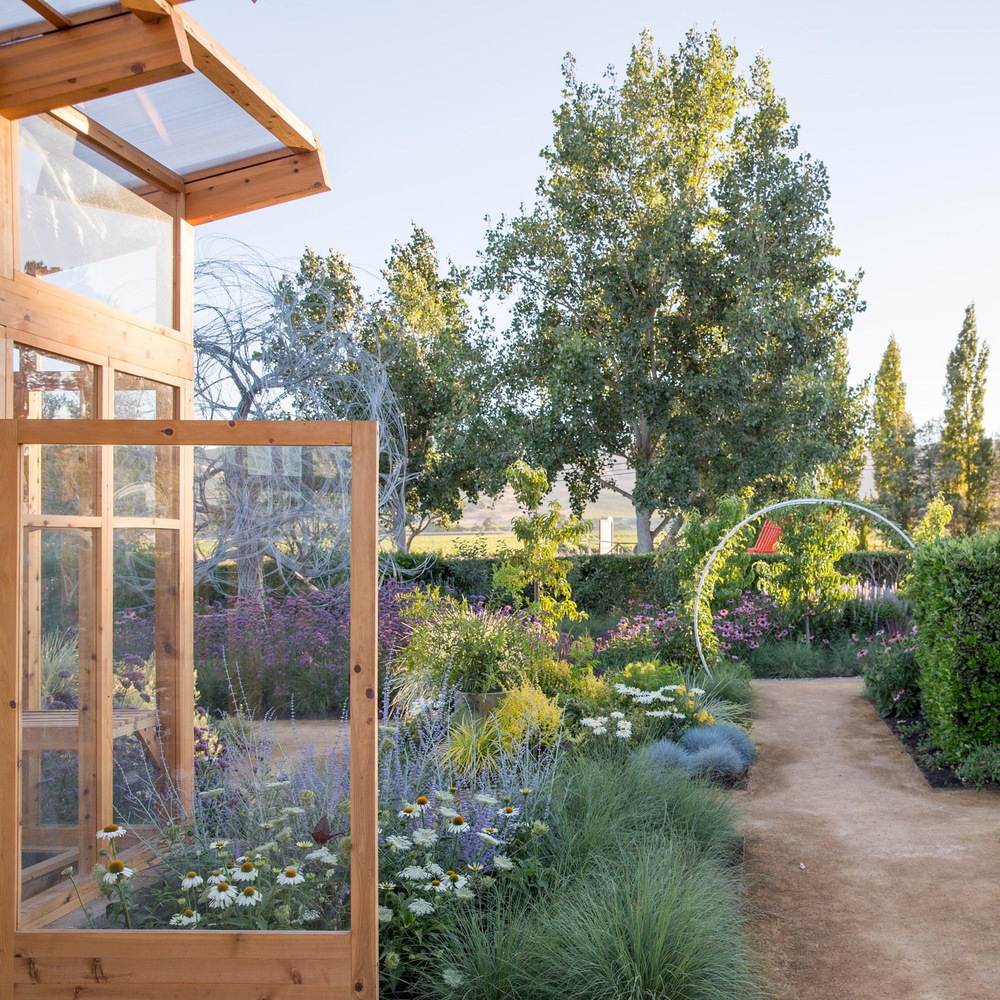 Sonoma Gardens Garden Ftempo