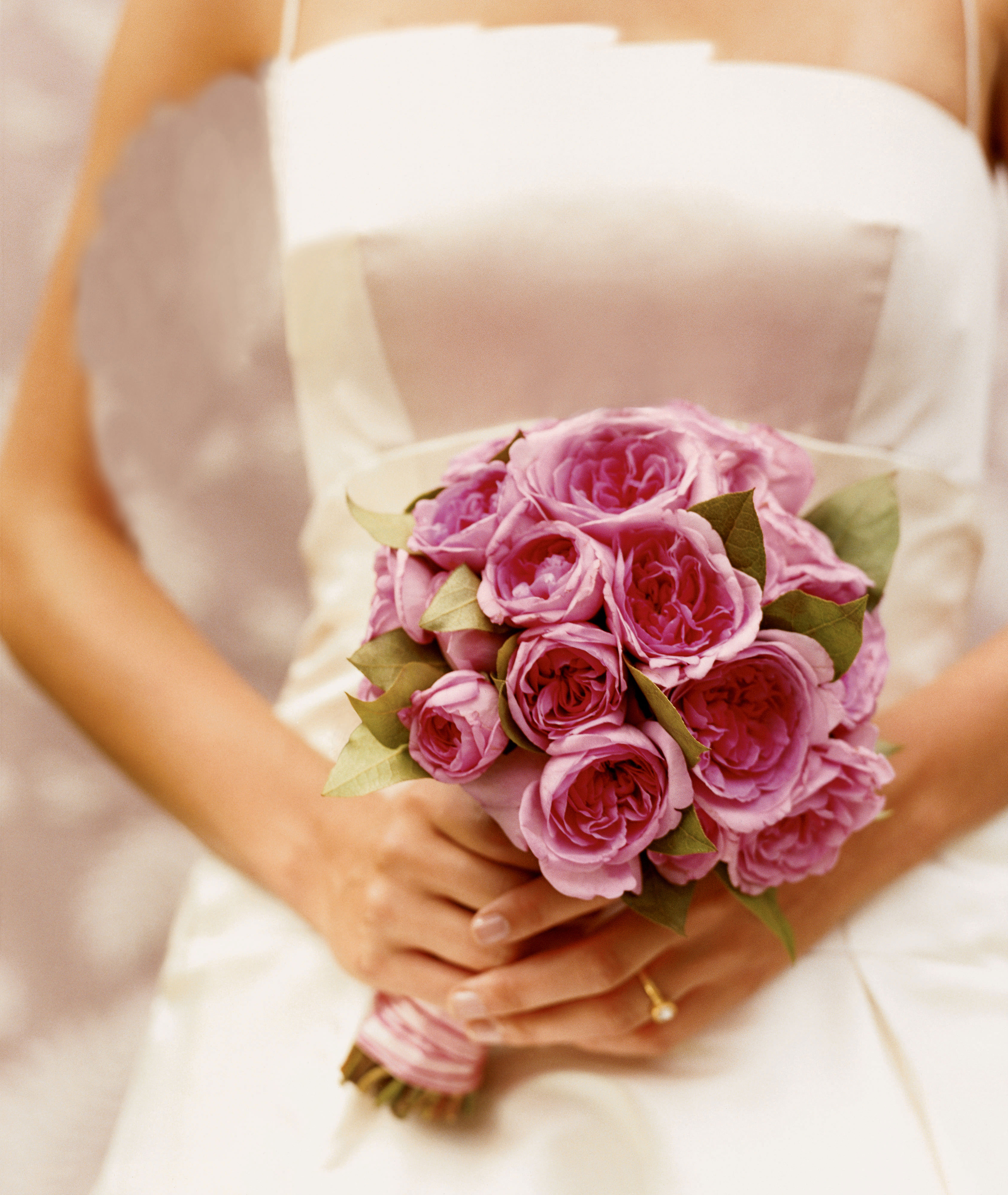 Sunset magazine your wedding flowers how to make a bridal bouquet izmirmasajfo