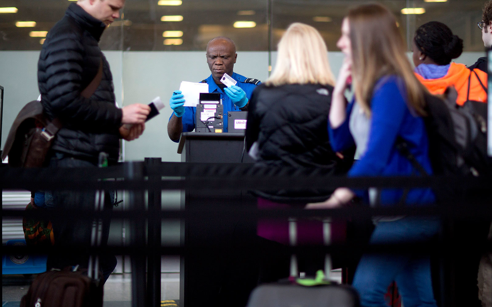 Driver Licenses from Nine States Won't Be Valid IDs for Domestic Flights in 2018