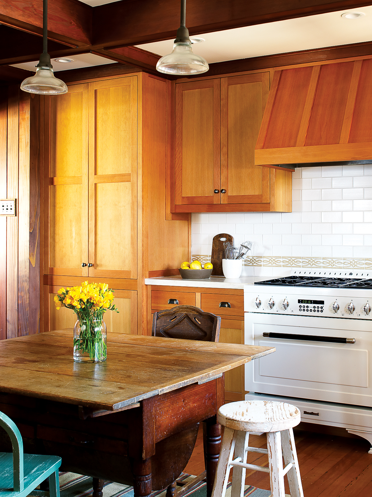 How to Repaint Kitchen Cabinets - Sunset Magazine
