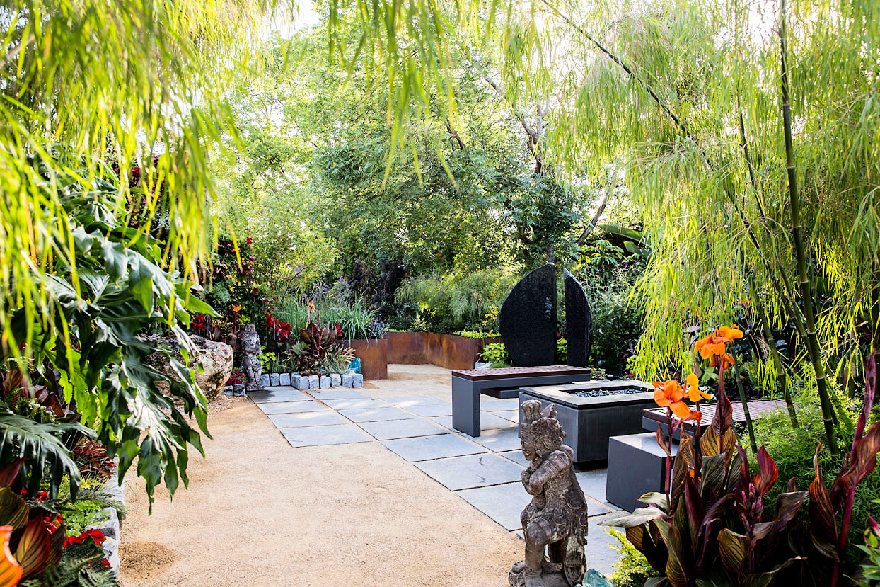 Ideas for a Tropical Garden - Sunset Magazine