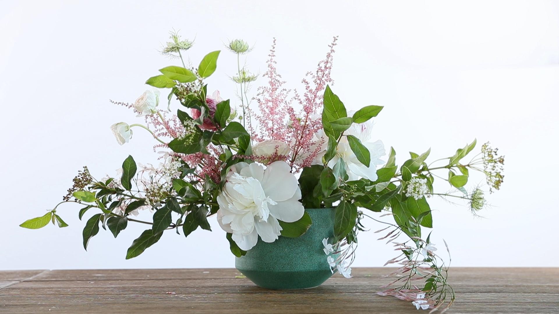 Diy mothers day flower arrangements sunset sunset magazine mightylinksfo