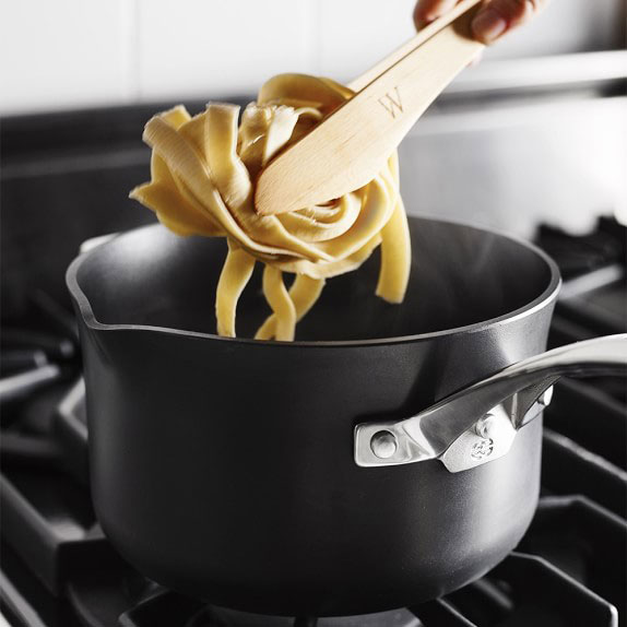 Nonstick Saucepan with Spout