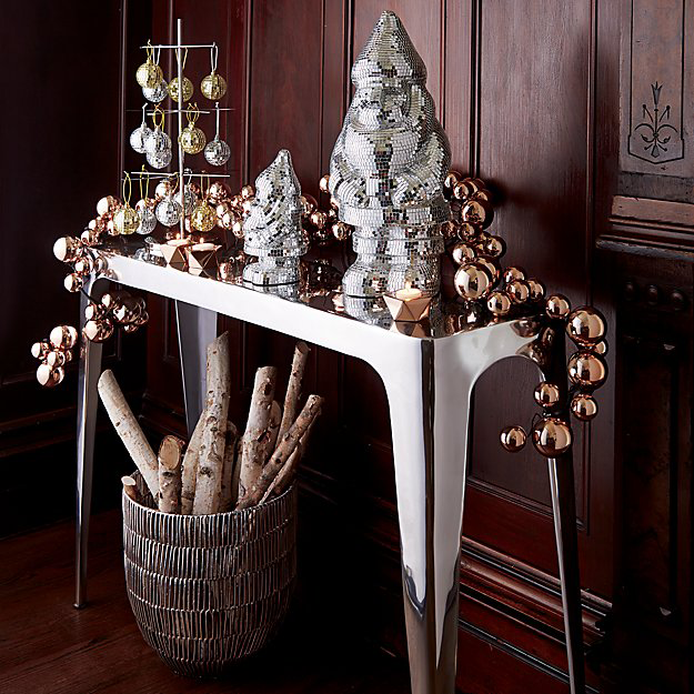 10 Gorgeous Garlands for the Holiday Season