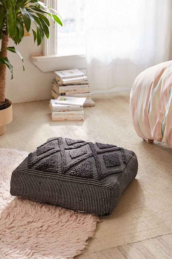 how to add floor cushions to any space sunset magazine. Black Bedroom Furniture Sets. Home Design Ideas