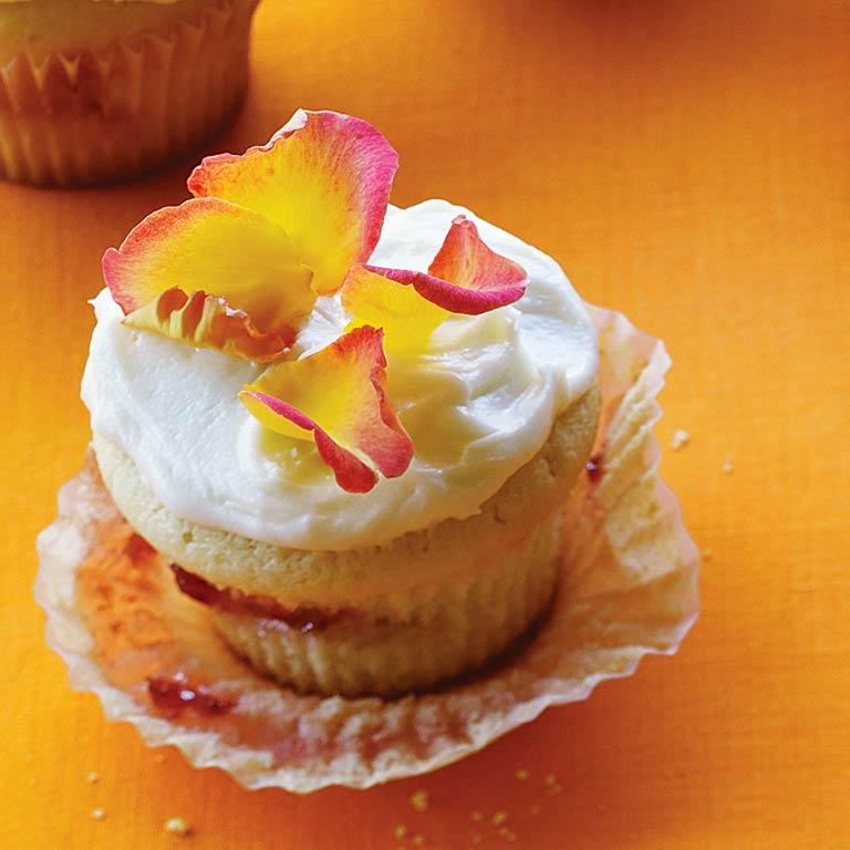 su-Strawberry-Rose Cupcakes