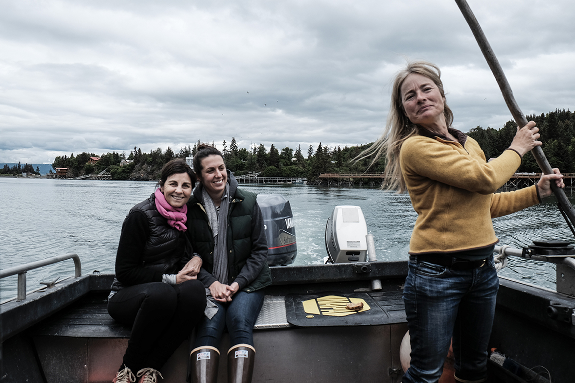 Linda and me on a boat, led by Michelle LaFriniere of Chilly Root Peony Farm. (Thomas J. Story / Sunset Publishing)
