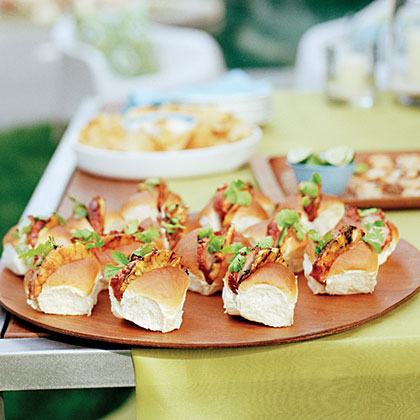 Char siu-Glazed Pork and Pineapple Buns