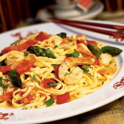 Asparagus and Shrimp Stir-fry with Noodles