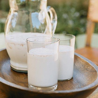 Cinnamon-scented Rice Milk