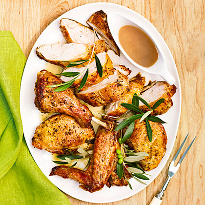 su – Grilled Butterflied Turkey with Rosemary Garlic Gravy