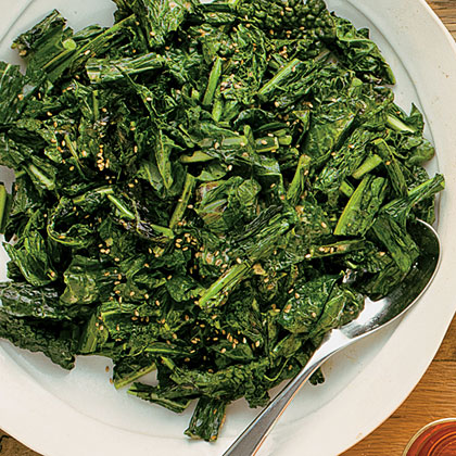 su-Crispy Grilled Kale with Creamy Sesame Dressing