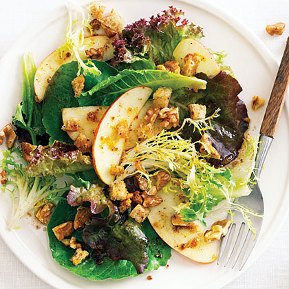 su-Fall Green Salad with Apples, Nuts, and Pain d'Épice Dressing