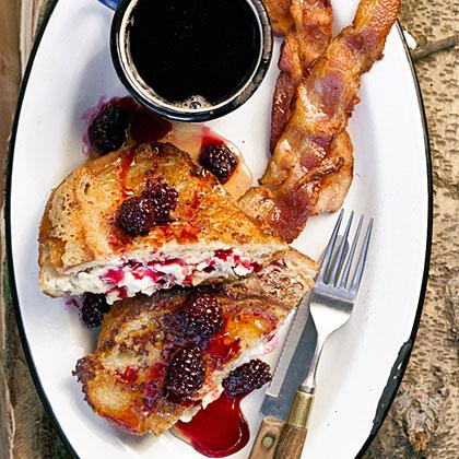 su-Mascarpone French Toast with Warm Blackberry Syrup