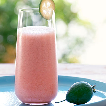 su-Pineapple Guava (Feijoa) and Strawberry Smoothie