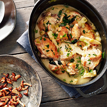 su-Chicken Fricassee with Parsley Roots and Chanterelle Mushrooms