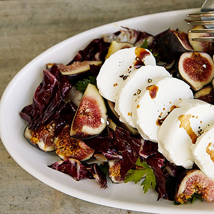 su-Fresh Goat Cheese and Radicchio Salad with Figs