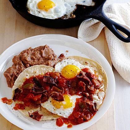 su-Huevos Rancheros con Bacon