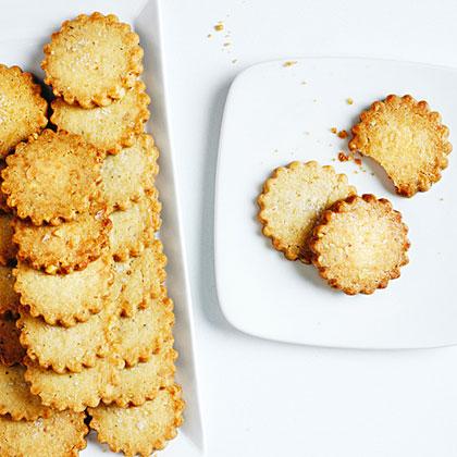 su-Walnut Shortbread Cookies with Flake Salt and Citrus