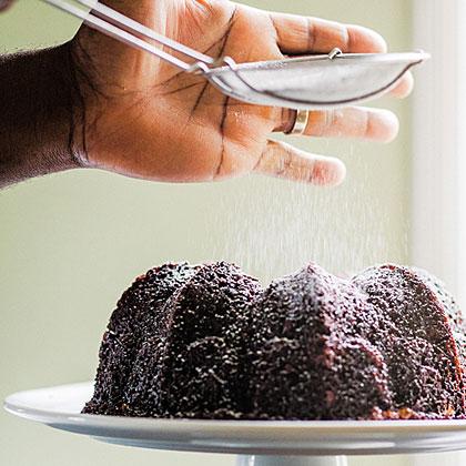 su-Molasses Cake with Maple-Sugared Pecans