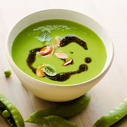 su-Fresh Pea Soup with Mint