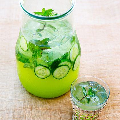 su-Cucumber Mint Spritzer