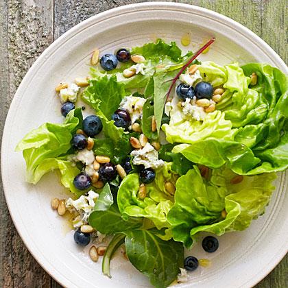 su-Blueberry Gorgonzola Salad