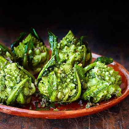 su-Broccoli Romanesco with Green Herb Sauce