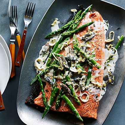 su – Grilled King Salmon with Asparagus, Morels, and Leeks