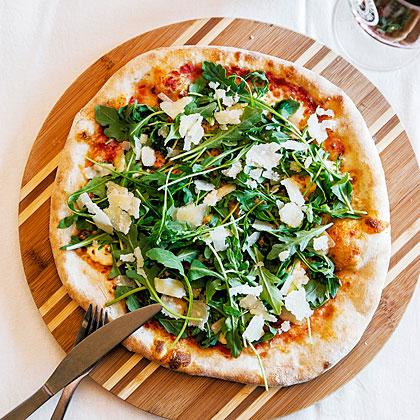 su-Stella Alpina Pizza (Three Cheeses and Arugula)