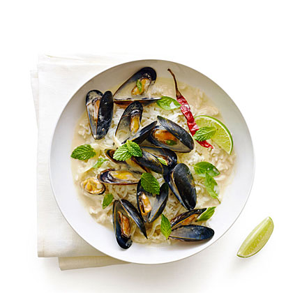 su-Thai-Style Mussels with Herbs