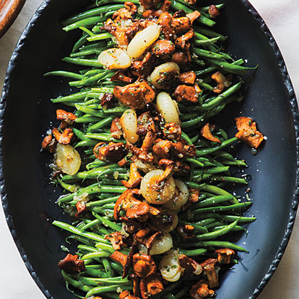 su-Green Beans with Chanterelles and Cipollini