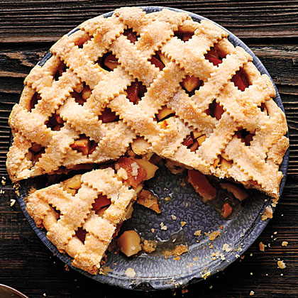 su-Lattice-Top Apple Quince Pie