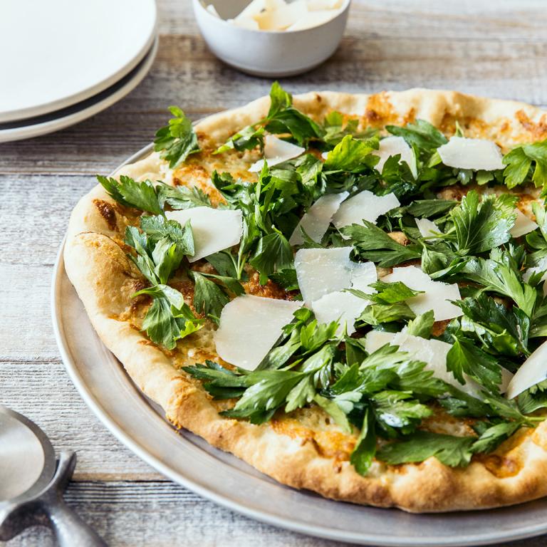 su-Pizzetta with Parsley Salad Image