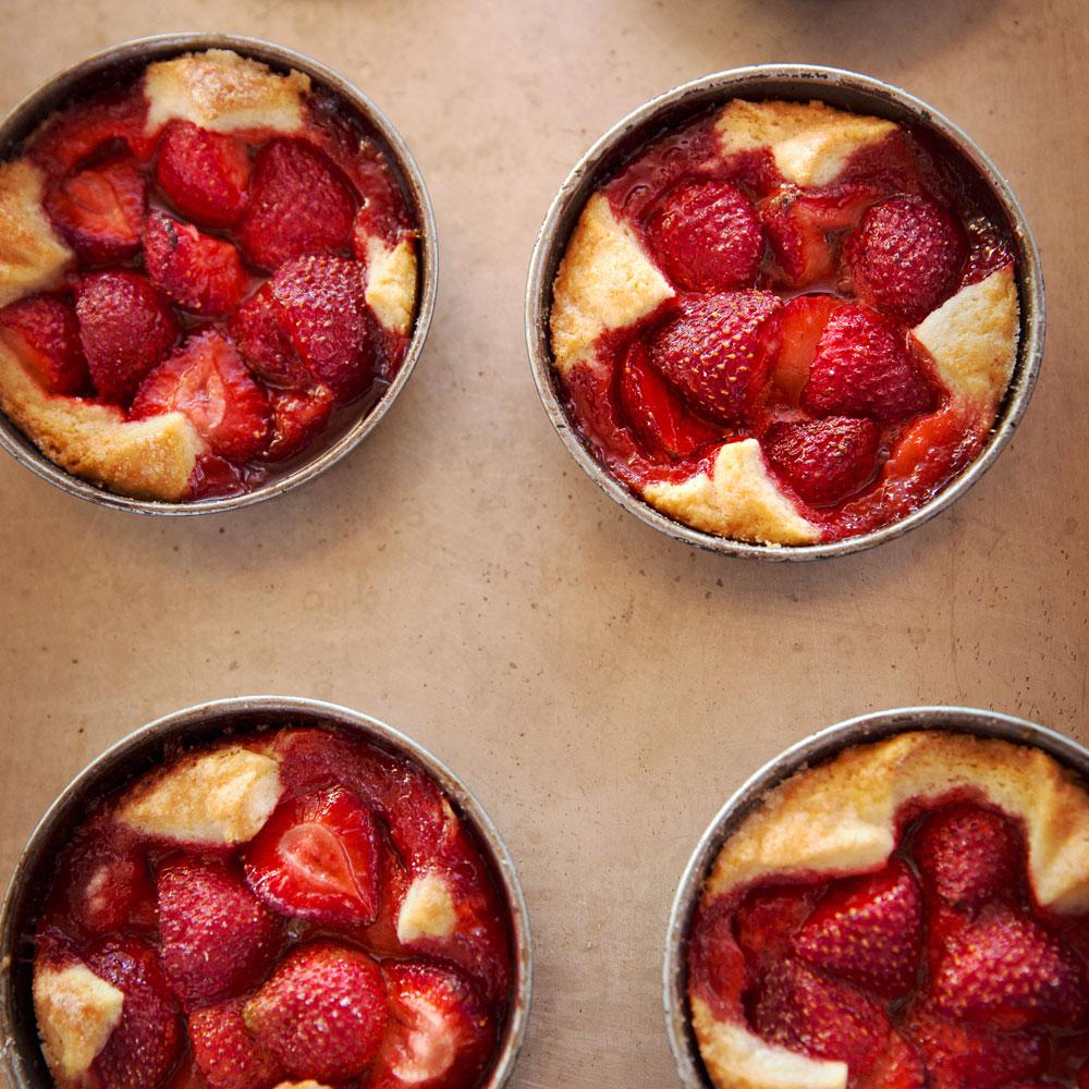 su-Strawberry and Cornmeal Crostatas Image