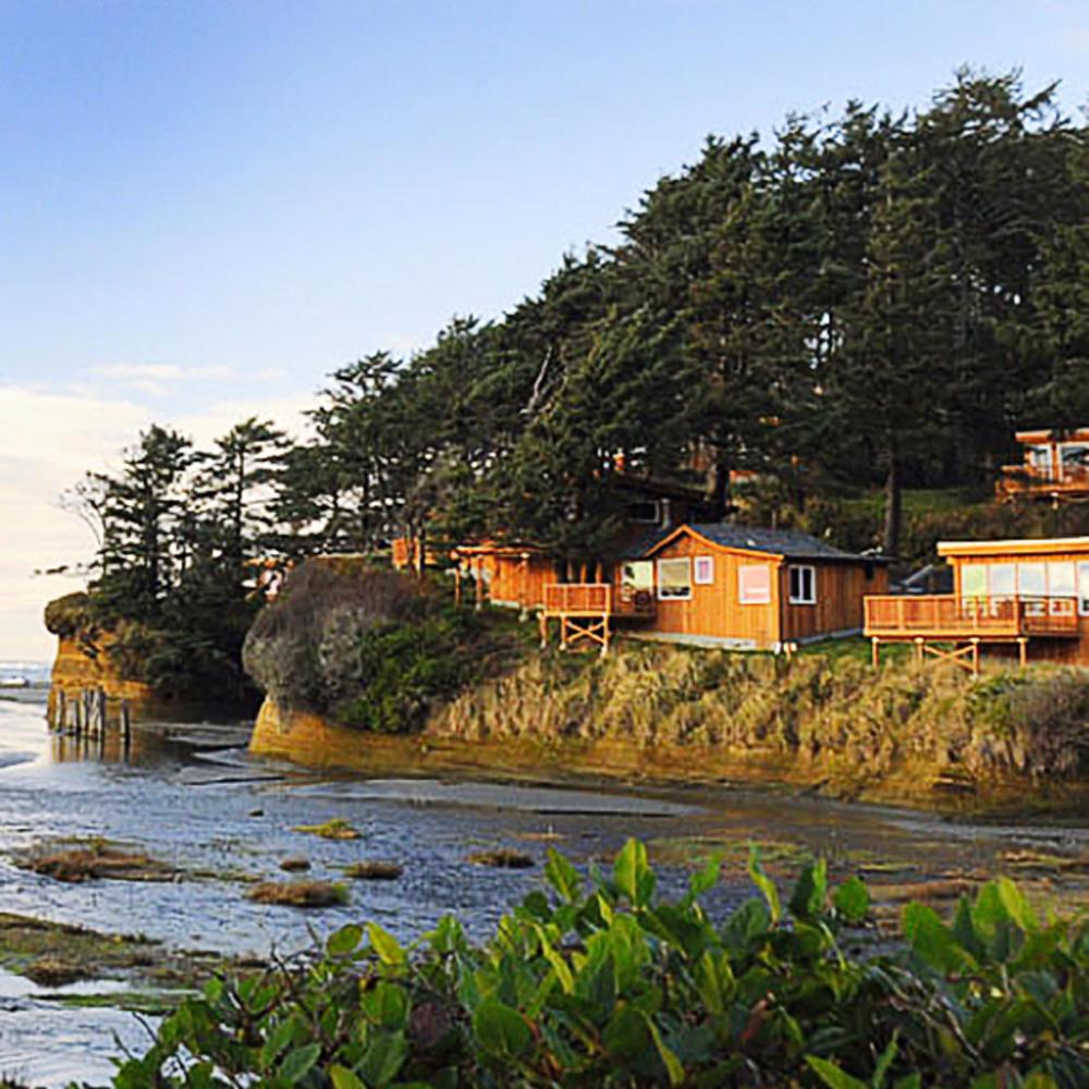 42 best cabin getaways sunset magazine for Sunset lodge