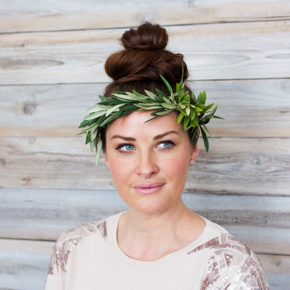 Step by step the ultimate diy flower crown sunset magazine you may like how to create a flower crown izmirmasajfo Gallery