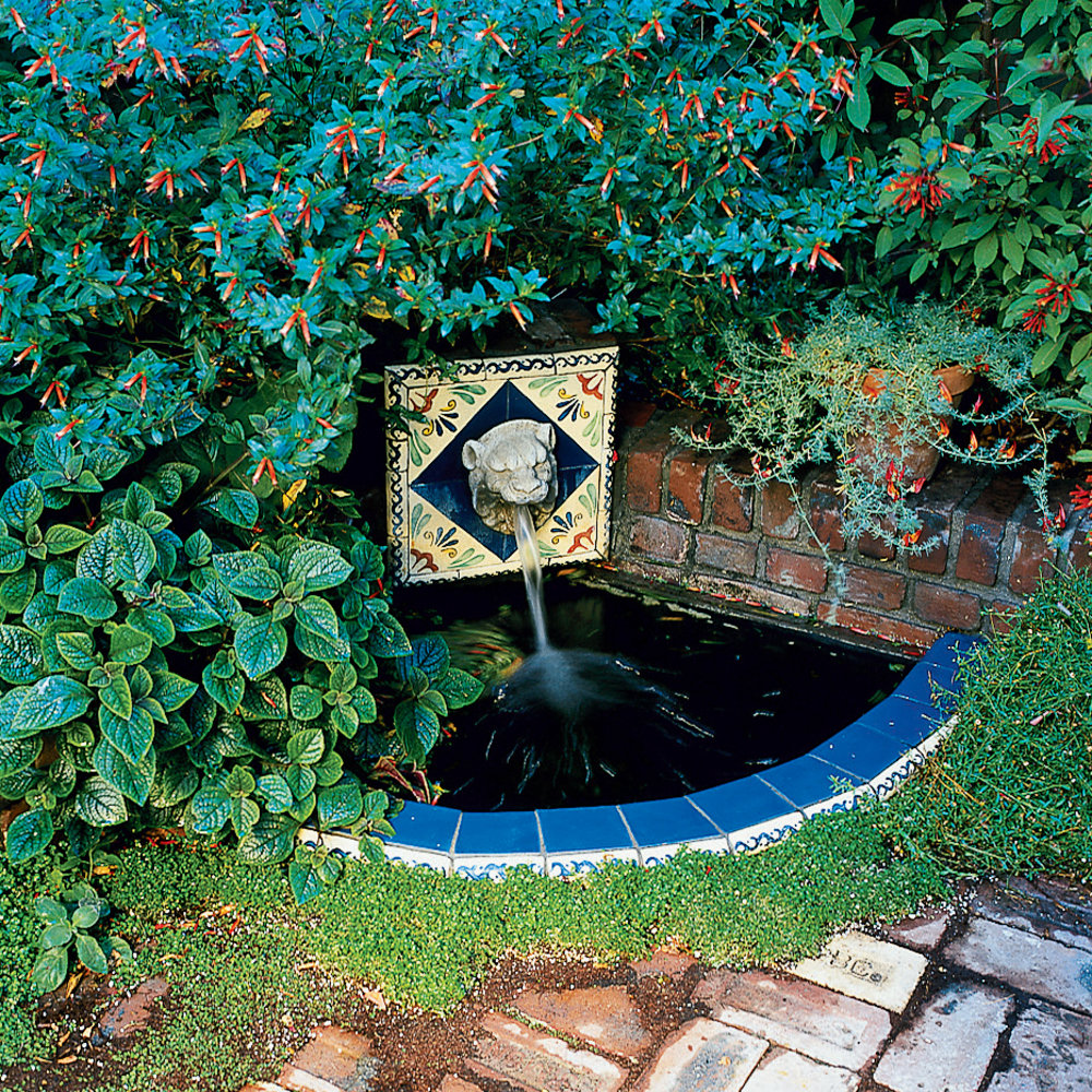 31 inspiring garden fountains sunset magazine for Backyard water feature plans