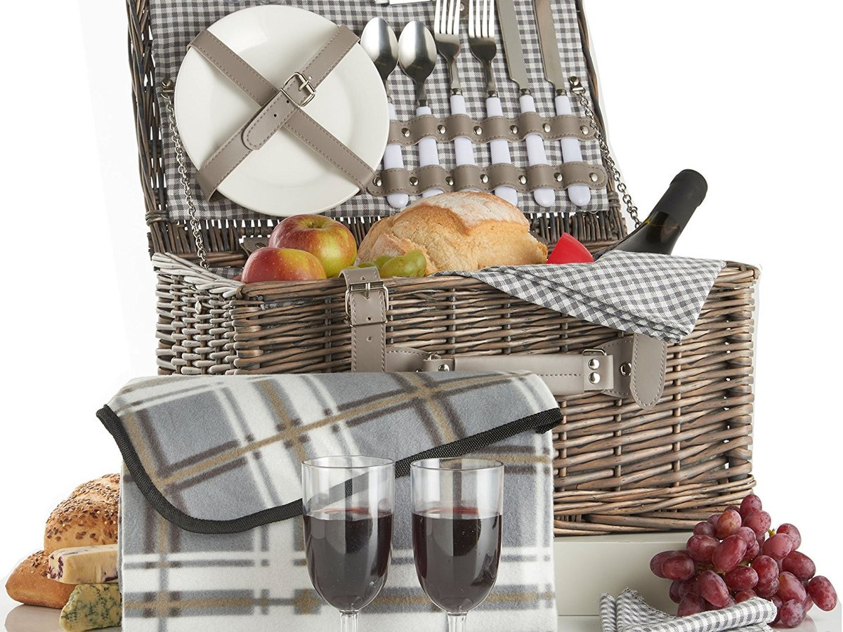 VonShef Deluxe 2 Person Traditional Wicker Picnic Basket