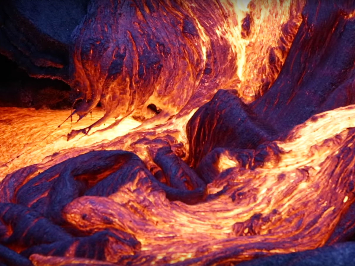 Watch Blue Lava Erupt from Hawaii's Kilauea Volcano