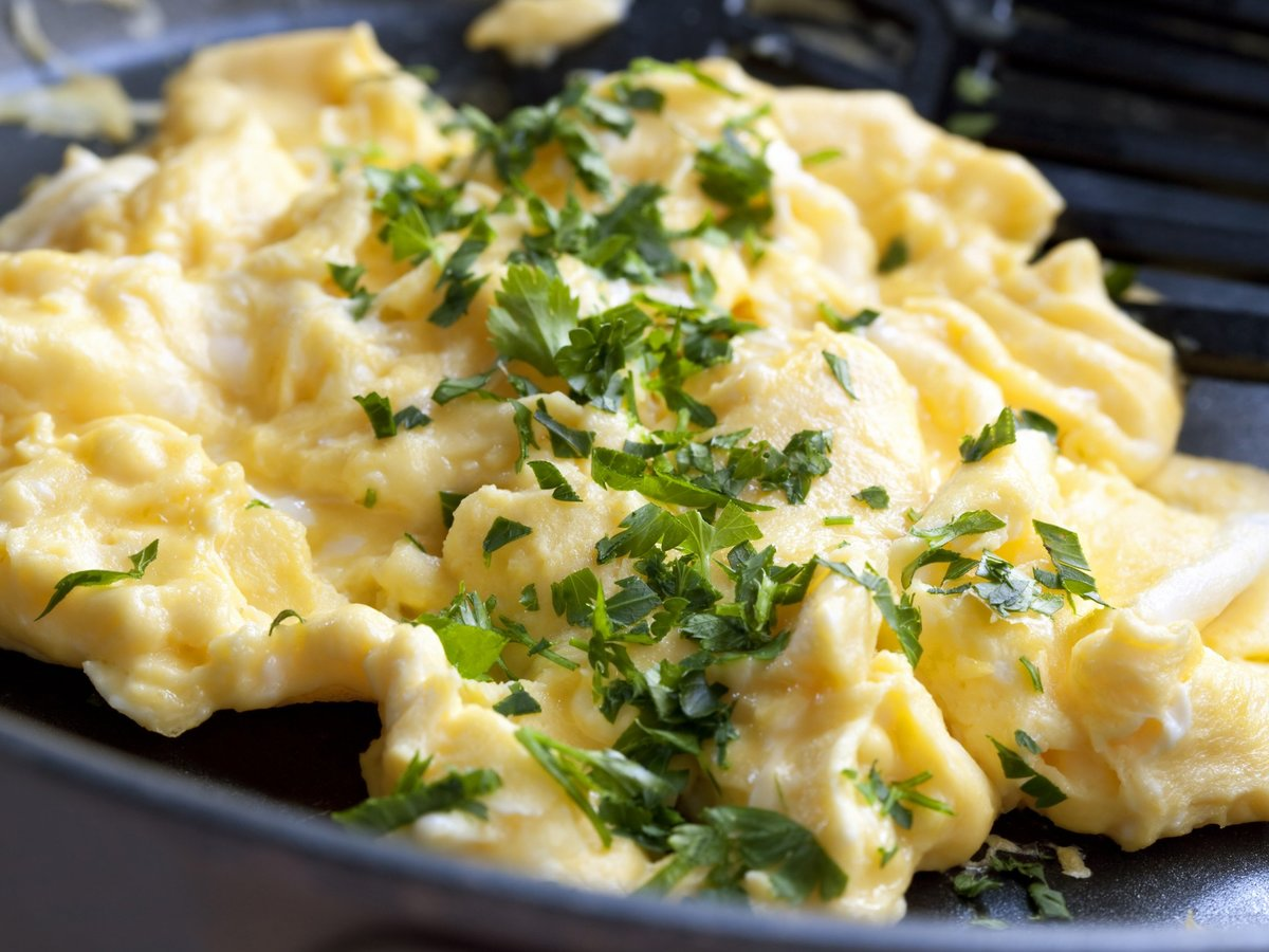 5 Easy Ways to Make the Best Scrambled Eggs of Your Life