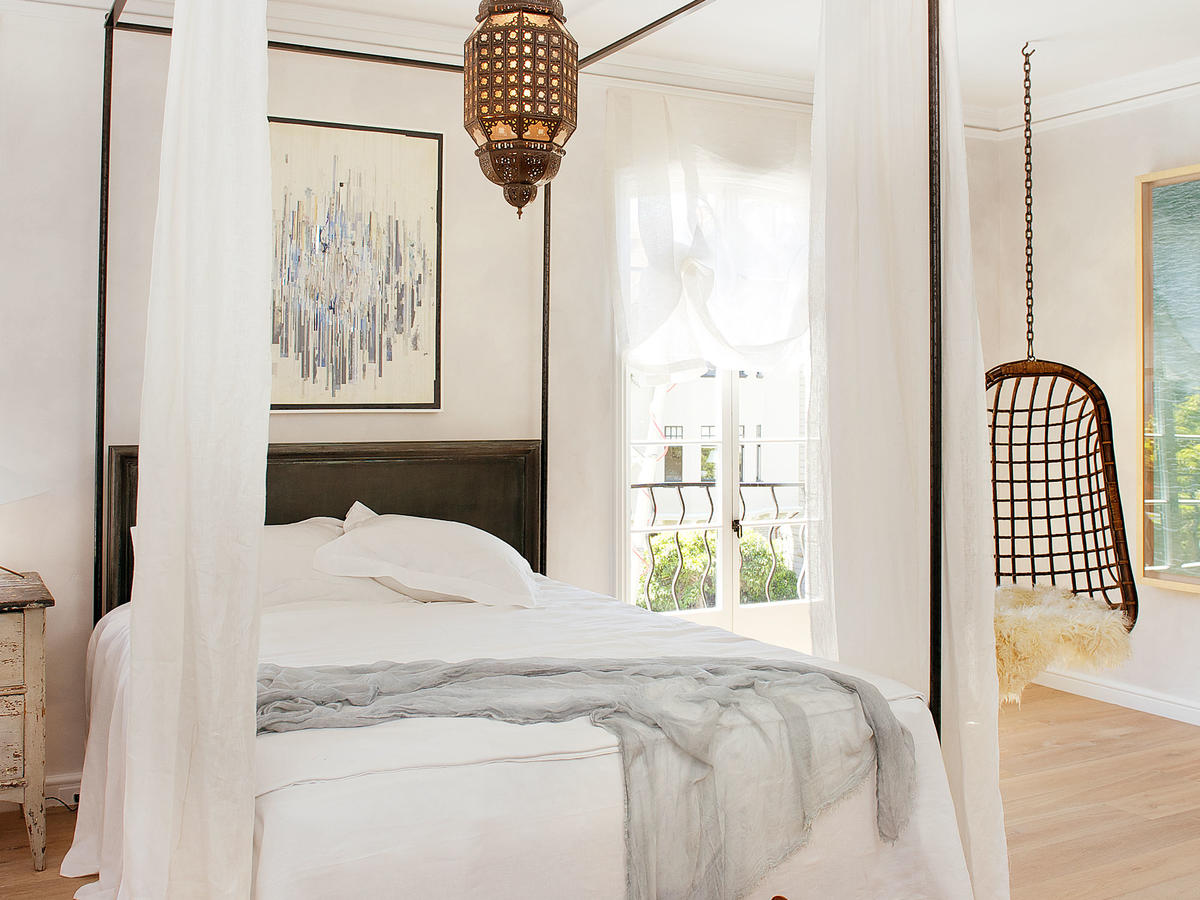 Low Lying Canopy Bed Tips Sunset Magazine