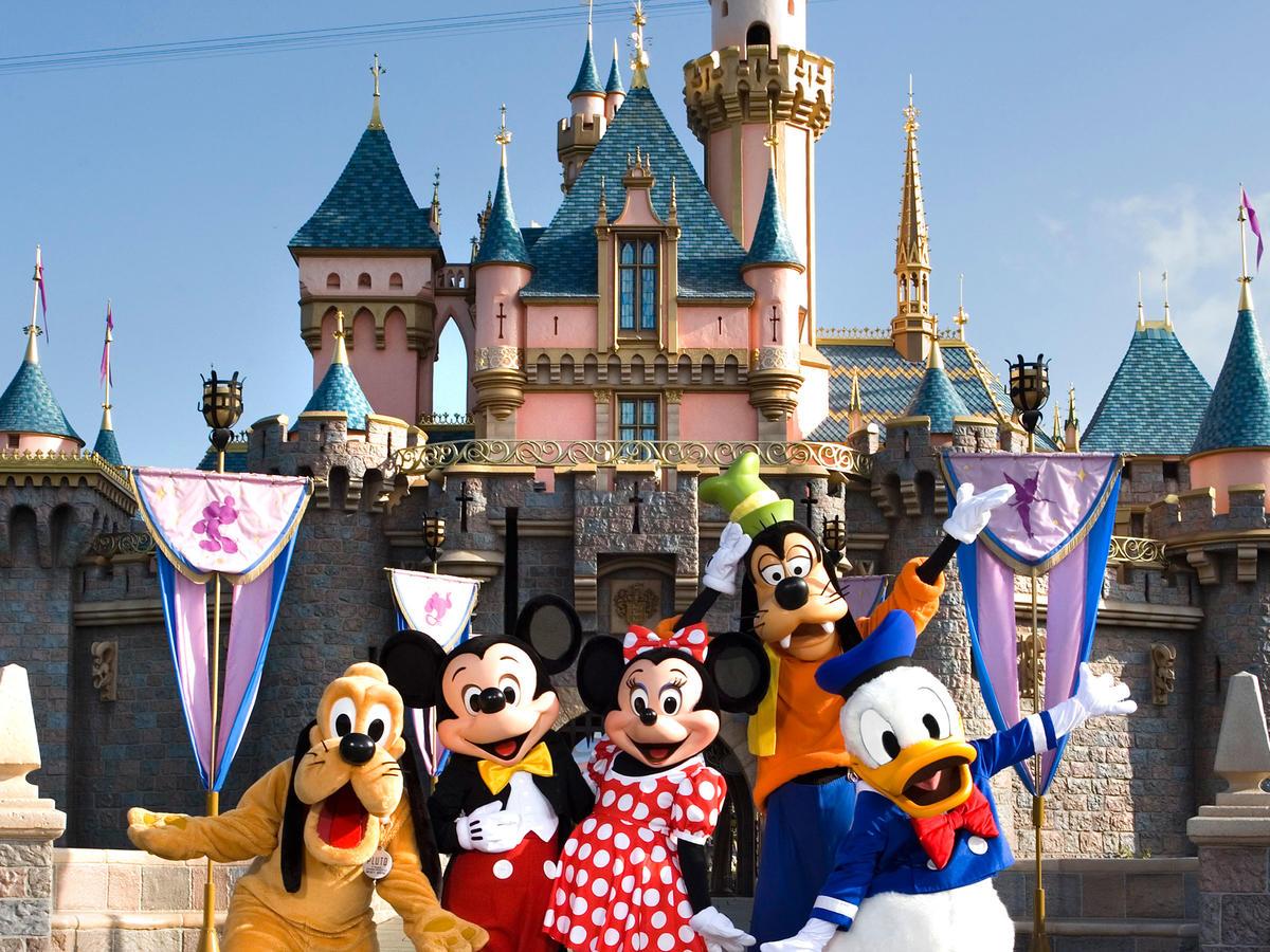 Guide To Disneyland Sunset Sunset Magazine