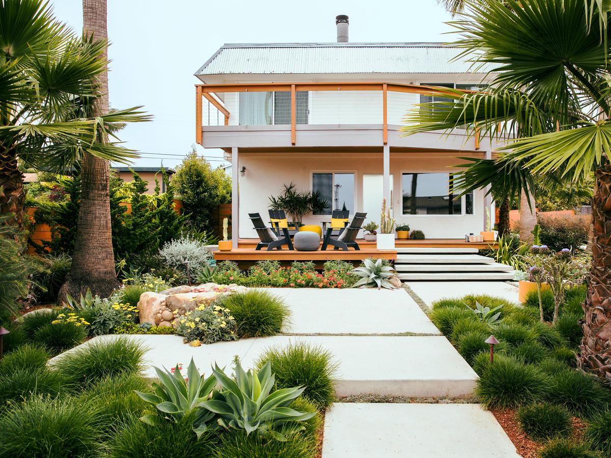 Image of: Beachy Garden Ideas Sunset Magazine