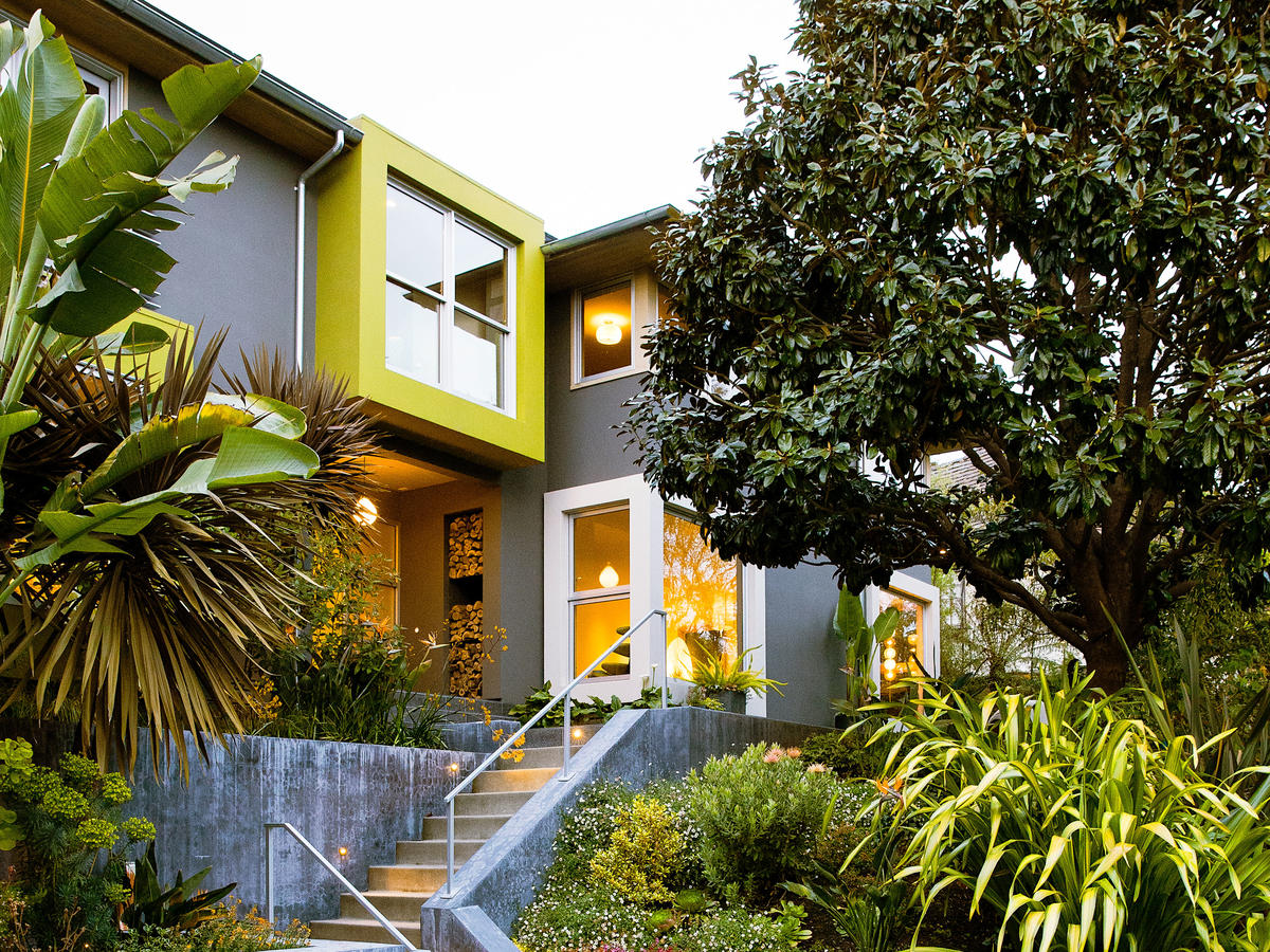 How To Choose The Right Exterior Paint Color For Your Home