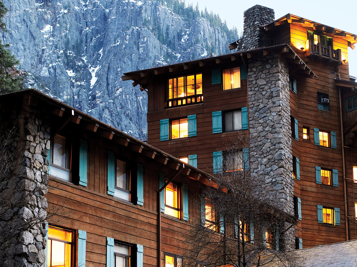 Ahwahnee hotel in Yosemite National Park