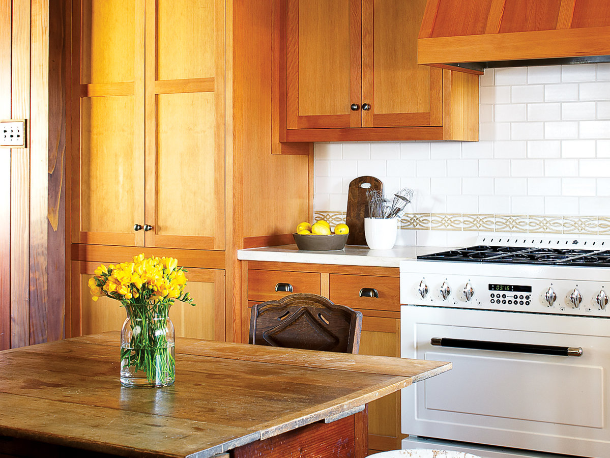 Quick home fixups: Refinish your kitchen cabinets with new hardware ...
