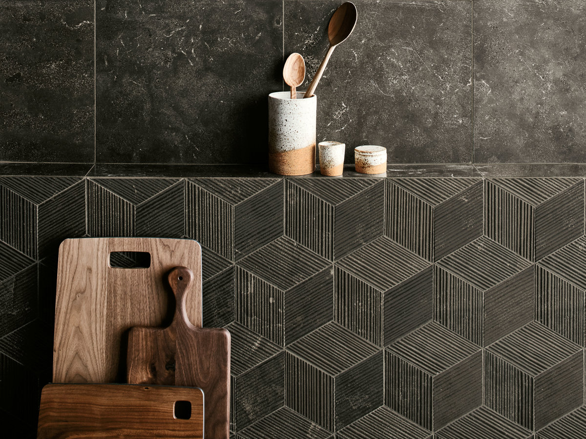 Keystone Decorative Field Tile Domino in Vulcan