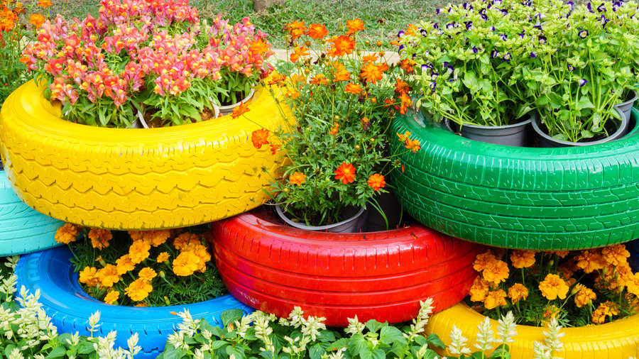 Decorate with plants and old tires